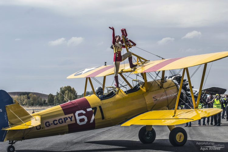 Boeing Stearman con Ainhoa Sánchez