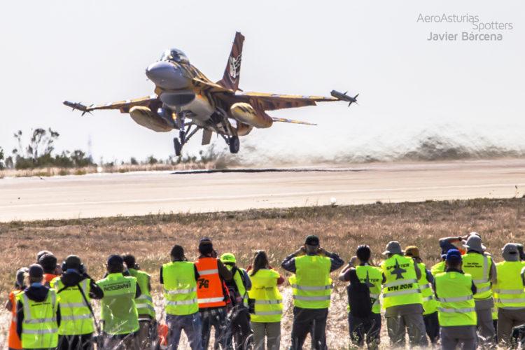 F16 despegando NATO Tiger Meet Zaragoza 2016