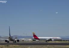 A321 de Iberia EC-JQZ y 737 EC-MJU