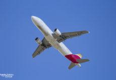 Iberia A320 EC-IZH