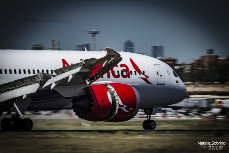 Reversas del Avianca Boeing 787-8 N784AV