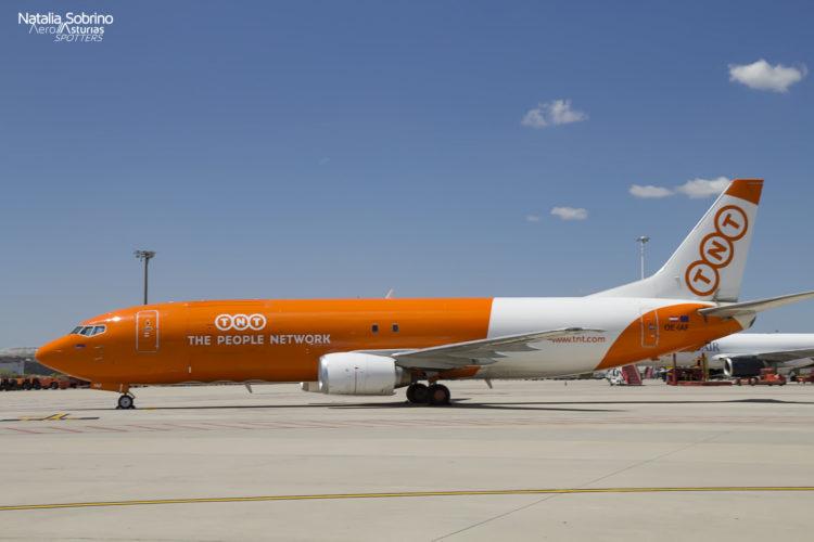 TNT Boeing 737 OE-IAF