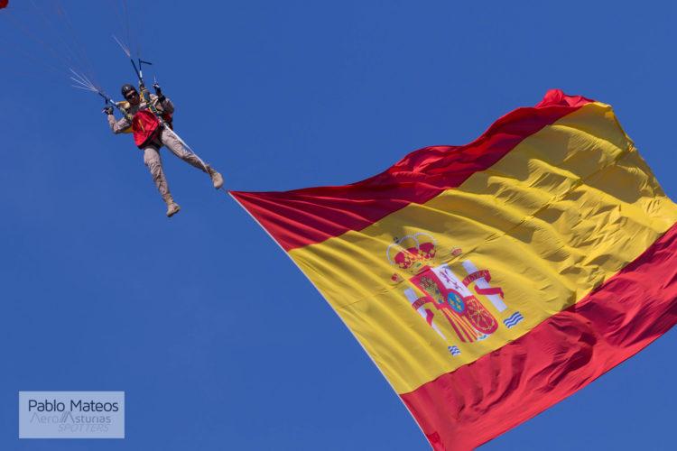 Paracaidista bandera España